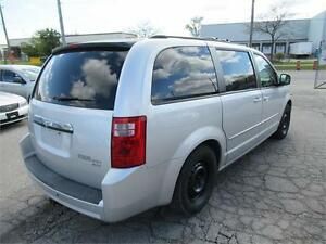 2010  DODGE CARAVAN SXT 4.0L  VERY CLEAN VAN. ACCIDENT FREE