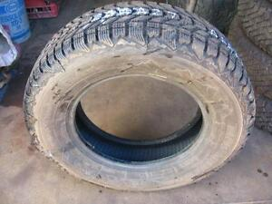 ONE FIRESTONE WINTER TIRE 195/70r14 reference AAA27