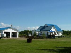 10.97 ACRES W HOUSE & SHOP, 2 MIN NORTH OF SEXSMITH. MUST SEE!