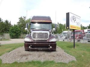 2009 FREIGHTLINER COLUMBIA, CLEAN & WELL MAINTAINED Kitchener / Waterloo Kitchener Area image 3