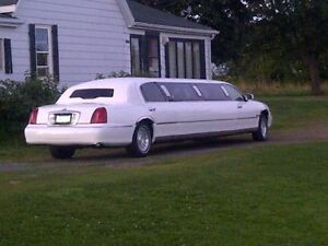 1998 Lincoln Town Car Executive Stretch Limousine