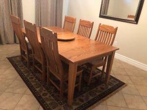 Oak Dining Room Set ( Like New )