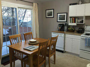 Beautiful student rental - close to Con College and LU
