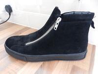 Mens boots £35ono