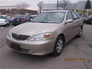 2003 TOYOTA CAMRY LE 4CYL. LOW KM .
