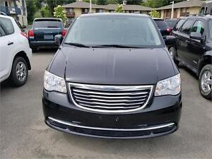 2012 CHRYSLER TOWN 7 COUNTRY - GORGEOUS CONDITION LOADED