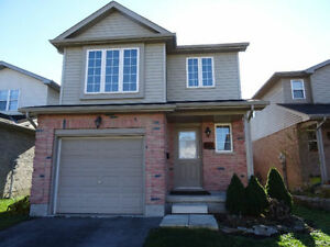 $1,400 - Hyde Park 3 Bedroom 1.5 Bath house in Nor'West London London Ontario image 1