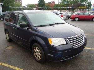 2008 Chrysler Town & Country Loaded !!!
