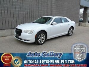 2016 Chrysler 300 Touring AWD*Ltr/Pano