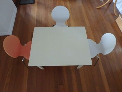 Kids rectangular table and 3 chairs