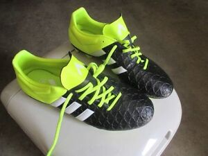 BRAND NEW ADDIDAS SOCCER SHOSE SIZE 9.5 CALL 519-673-9819 Favour