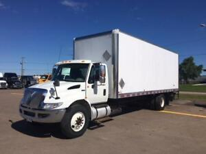 2013 International 4300 w/26' Box