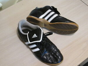 Indoor Soccer Shoes.  Addidas Size 6 Like new. Peterborough Peterborough Area image 1