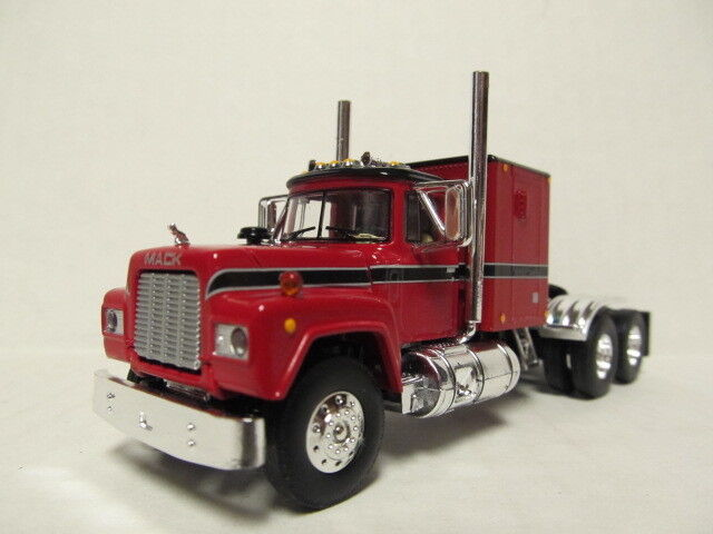 1ST GEAR 1/64 SCALE R MODEL MACK, SLEEPER CAB, RED &  BLACK   SAME SCALE AS DCP
