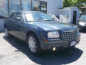 2008 CHRYSLER 300 TOURING EDITION * GLASS SUNROOF * LOADED !!