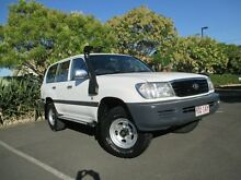 1999 Toyota Landcruiser FZJ105R GXL (4x4) White 4 Speed Automatic 4x4 Wagon Chermside Brisbane North East Preview
