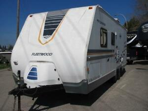 2005 FLEETWOOD ORBIT 240BH- 3706 LBS- EASY FINANCE-EASY TRADE!