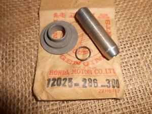 NOS-Honda-Intake-Valve-Guides-1971-CB350-Twin-12025-286-300