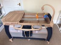 HAUCK Winnie the Pooh Travel Cot and playpen 2 levels
