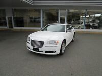 2014 Chrysler 300 C - Navigation, Premium Full Loaded 300C
