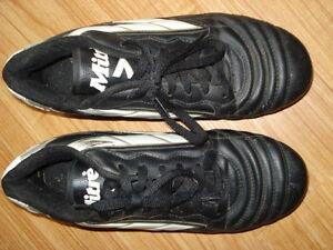 Black  Soccer shoes  knee pads and adidias socks,