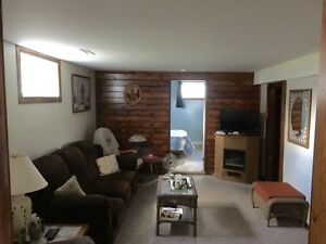 $400 FIRST MONTH - 1 Bedroom with extra multi use room