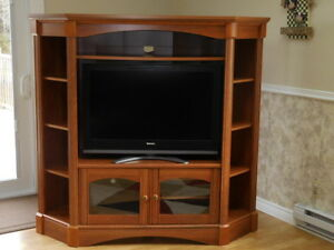 Corner Entertainment Unit With TV