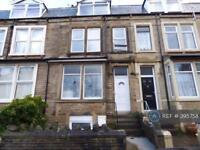 3 bedroom flat in Beach Street, Morecambe, LA4 (3 bed)