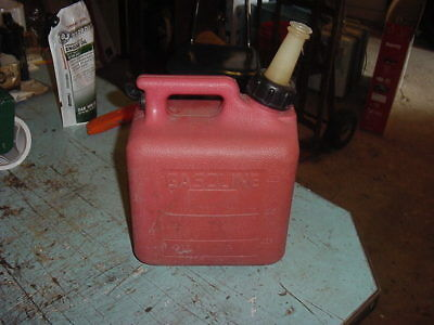 Vintage 1 Gal Plastic Gasoline Gas Can Fuel Midwest Can Co.