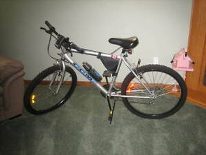 Mens CCM 18 Speed Mountain Bike