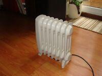 Small electric oil radiator