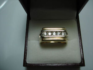 MANS GOLD & DIAMOND RING Kitchener / Waterloo Kitchener Area image 2