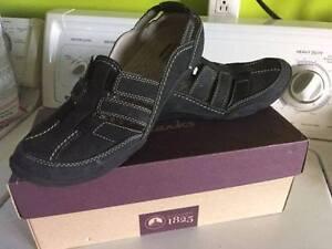 chaussures de marche- Clarks