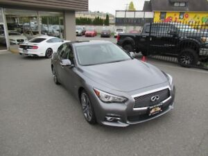 2015 Infiniti Q50 3.7L ALL-WHEEL-DRIVE / NAVIGATION