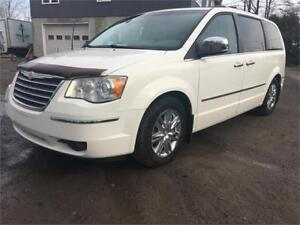 2008 Chrysler Town & Country Limitée