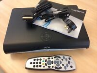 SKY PLUS HD BOX 500MB (AMSTRAD DRX890W) PRISTINE WITH EXTRAS AND MANUAL!
