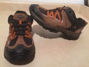 Women's North 49 Hiking Shoes Size 10 London Ontario image 2