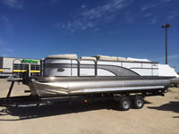 New 2015 Manitou Encore 23' SE Pontoon Boat with SHP V-Toon
