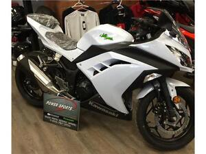2015 KAWASAKI NINJA 300-SAVE ON NON-CURRENTS!!!