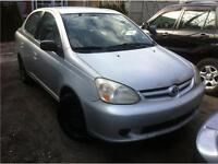 Belle toyota echo 2004,propre, 1.5 litre 4 cylindre 1999$