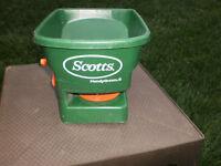 Scotts Hand Spreader