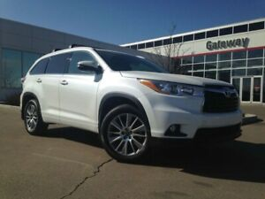 2016 Toyota Highlander XLE AWD 7 Pass Leather, Heated Seats, Nav