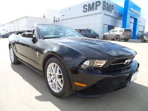 2012 Ford Mustang V6 Premium, Bluetooth, heated leather seats, 3