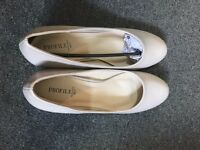 New Beige/Nude/Occasional/Wedding/Heel/Shoes UK size 6/7