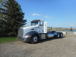 2011 Peterbilt Day cab tractor, 450 ISX, 13 speed, 3 way lockers