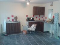 Unfurnished 2 bed end terrace house - Troedyrhiw