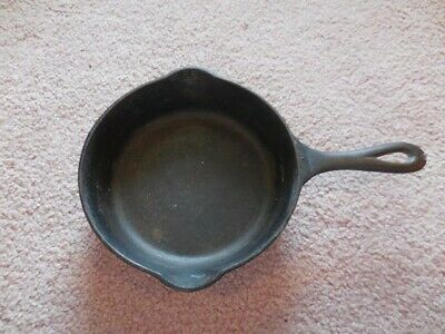 #4 Cast Iron Skillet With Heat Ring