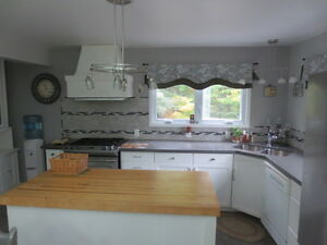 Lovely Home on Almost 3 Acres!! Peterborough Peterborough Area image 2