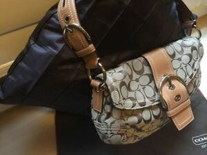 Authentic Coach Purse for Sale - Hardly Worn Cambridge Kitchener Area image 2