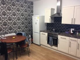NO DEPOSIT ROOM AVAILABLE IN A SHARED HOUSE IN BEESTON LS11. ALL BILLS INCLUDED**
